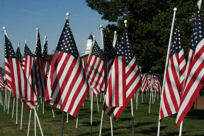 american flags for heroes